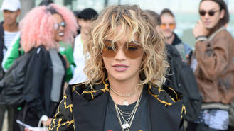 Rita Ora pushes second album back to 2018