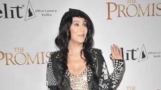 Cher accuses drug company bosses of duping her into selling shares