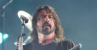 Dave Grohl loses drum-off to 10 year old