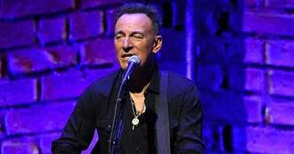 Bruce Springsteen says his music is ideal backing track for washing and ironing