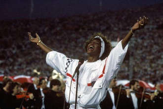 Unearthed fan reaction video to Whitney Houston's 1991 Super Bowl performance is so pure
