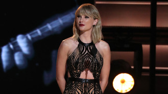 Taylor Swift keen to 'boost new beau's career'