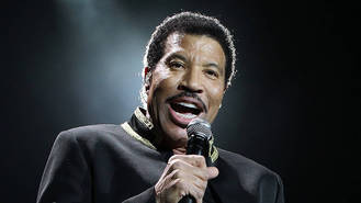 Lionel Richie 'being eyed up for American Idol judging role'