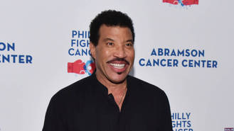 Lionel Richie was in 'denial' about severity of knee injury