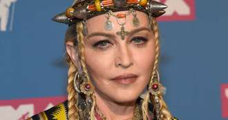 Madonna sued because of late start to concert
