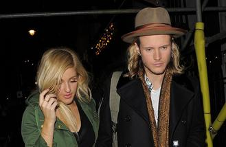 Ellie and Dougie sing in nude