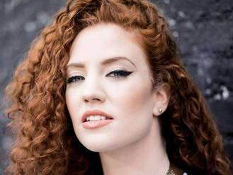 Glastonbury 2015: Jess Glynne forced to cancel performance due to vocal surgery