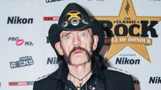 Tributes pour in for late Motorhead star Lemmy