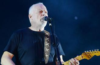 David Gilmour to perform with 30-piece orchestra in Poland