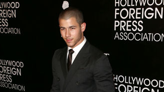 Nick Jonas dating Lily Collins - report