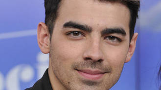 Joe Jonas splits from model Jessica Serfaty - report