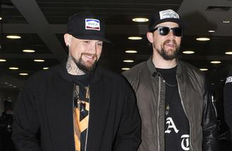 Good Charlotte and Biffy Clyro's Simon Neil team up for song