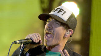 Red Hot Chili Peppers cancel gig as Anthony Kiedis hospitalised