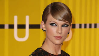 Taylor Swift nixes pseudonym and puts name back on Calvin Harris hit