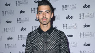 Joe Jonas was warned not to get close to Britney Spears