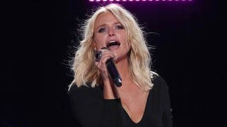 Miranda Lambert gets 'engaged ' to six-year-old fan