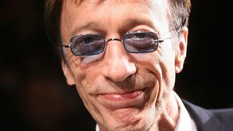 Robin Gibb fighting health problems