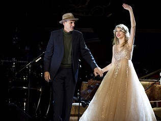 James Taylor joins Swift onstage