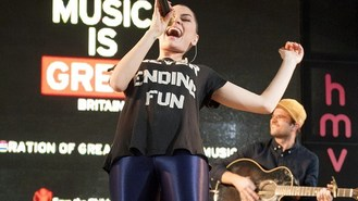 Jessie J thanks fans for support