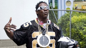 Flavor Flav sharing the flavour
