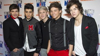 One Direction bowled over in US