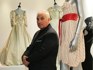 Winehouse dress sells for £40,000
