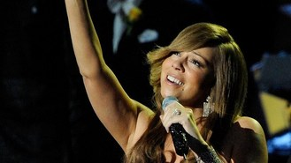 Diva Mariah Carey back on stage
