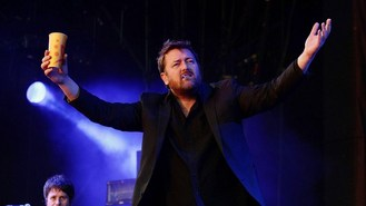 Elbow, Weller play at Latitude