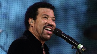 Lionel Richie to join hall of fame