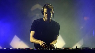 Calvin Harris pulls out of MTV EMAs