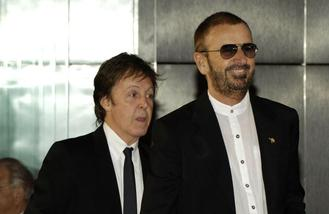 Ringo Starr snubs autobiography offers