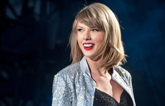 Taylor Swift 'happily' partners with Apple