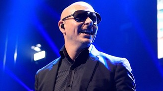 Pitbull hosts American Music Awards