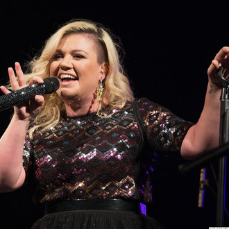 Kelly Clarkson Clarifies Her Thoughts On The Word Feminist