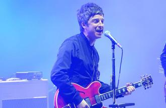 Noel Gallagher accused of plotting solo career while in Oasis